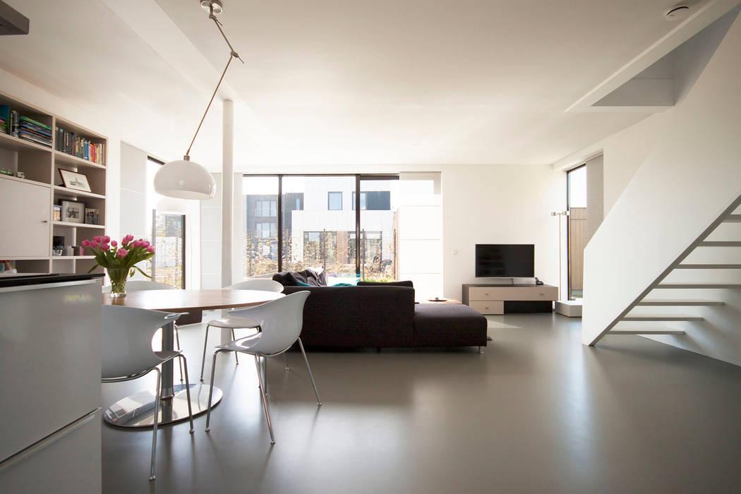 Living room by 8A Architecten, Modern Concrete