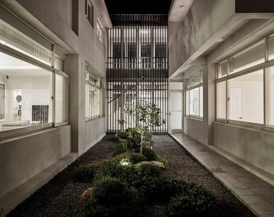 모던스타일 정원 by Glocal Architecture Office (G.A.O) 吳宗憲建築師事務所/安藤國際室內裝修工程有限公司 모던