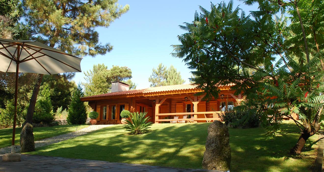 RUSTICASA | 100 projetos | Portugal + Espanha por Rusticasa Rústico Madeira maciça Multicolor