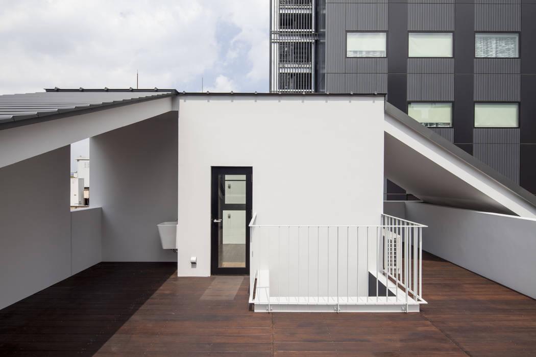 Balcones Y Terrazas De Estilo Moderno De Abanba Inc Moderno