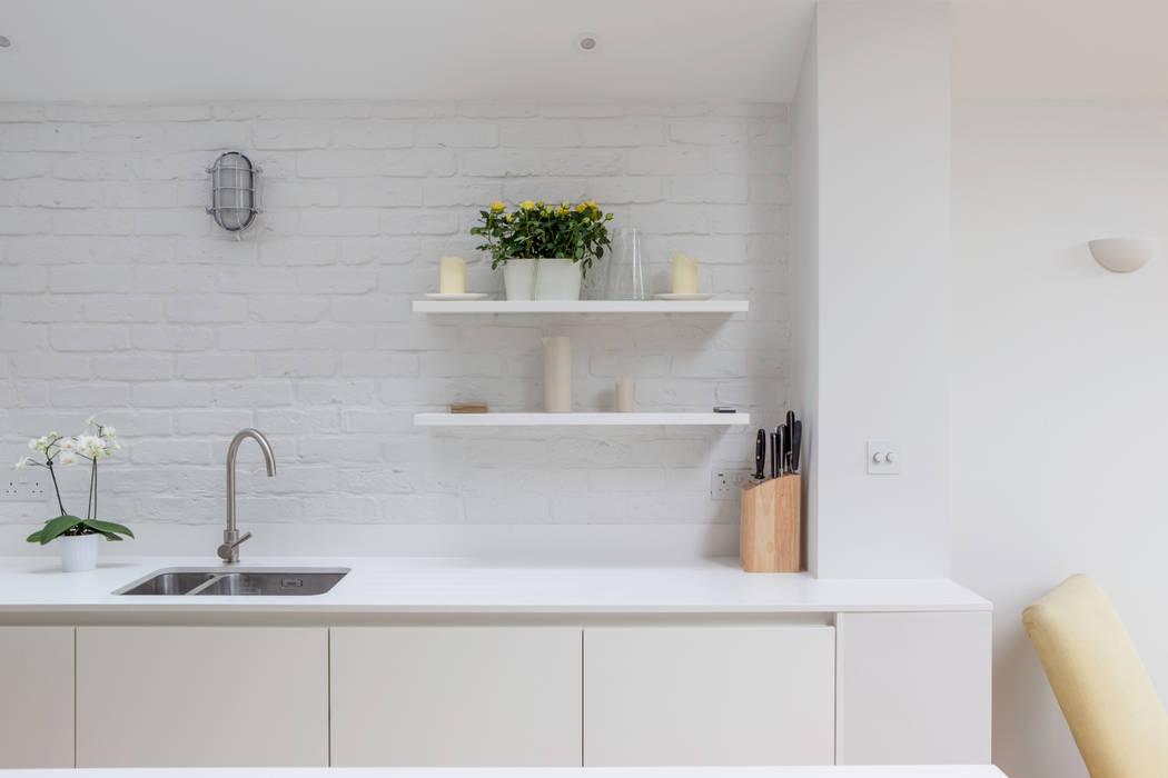 Kitchen details by TAS Architects Modern