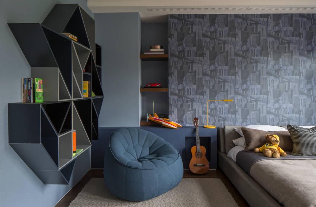 Broad Walk Children's Bedroom:  Nursery/kid's room by Roselind Wilson Design