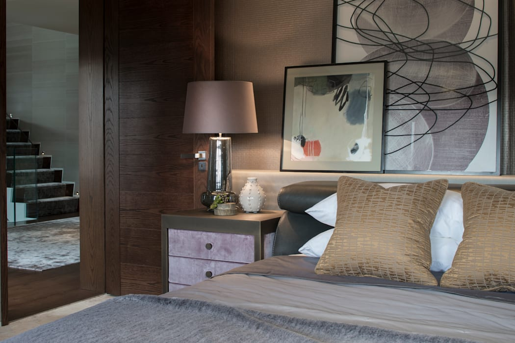 Broad Walk Guest Bedroom:  Bedroom by Roselind Wilson Design