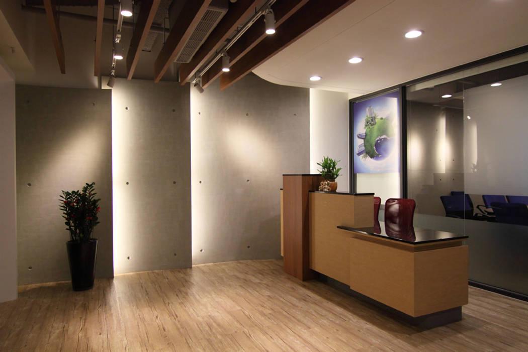 Lobby :  辦公室&店面 by Hi+Design/Interior.Architecture. 寰邑空間設計
