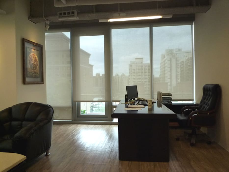 董事長辦公室:  辦公室&店面 by Hi+Design/Interior.Architecture. 寰邑空間設計