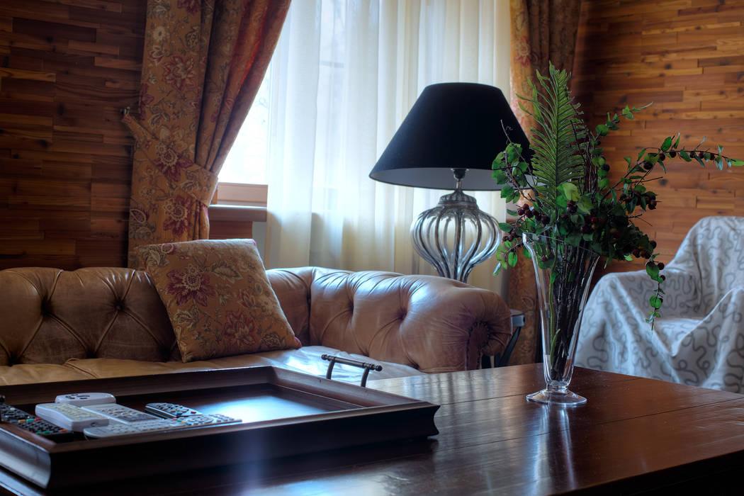 Деталь композиции в московской квартире в стиле гранж.: Гостиная в . Автор – Станислав Старых