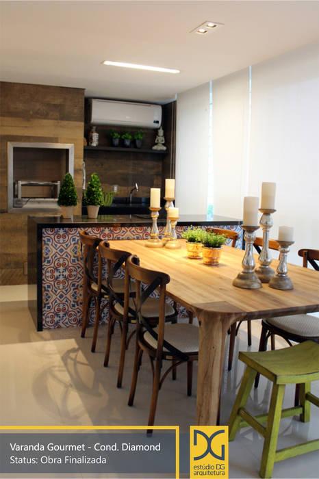 Varanda Gourmet: Terraços  por Estúdio DG Arquitetura,Campestre