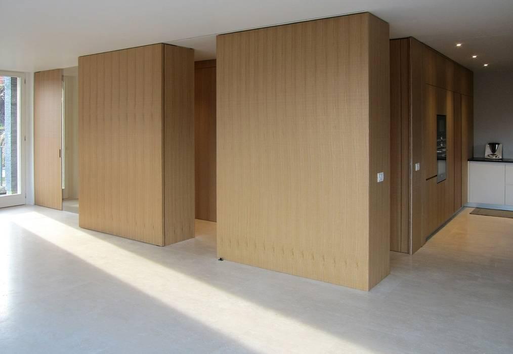 Pareti divisorie attrezzate soggiorno minimalista di ...