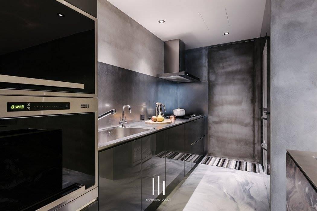 Cocinas de estilo moderno de 山巷室內設計 Moderno