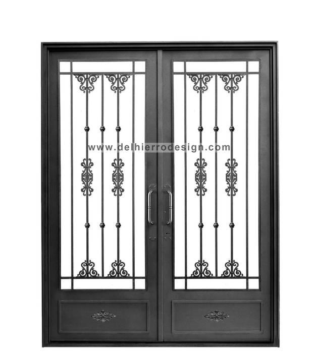 Puerta de acceso Puertas y ventanas coloniales de Del Hierro Design Colonial Hierro/Acero
