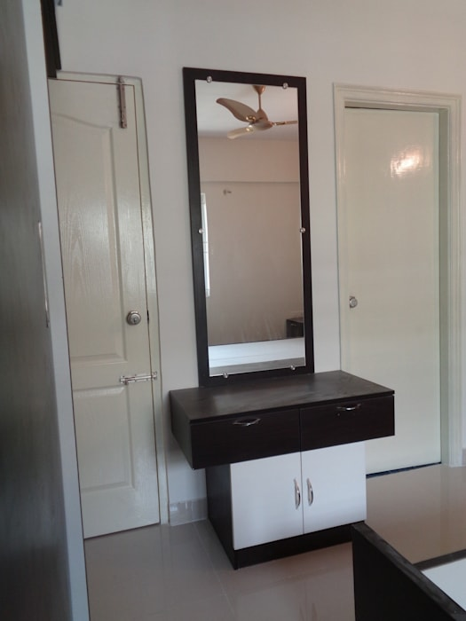 Delicieux Dressing Table With Mirror Designs India: Dressing Room By Scale Inch Pvt.  Ltd.
