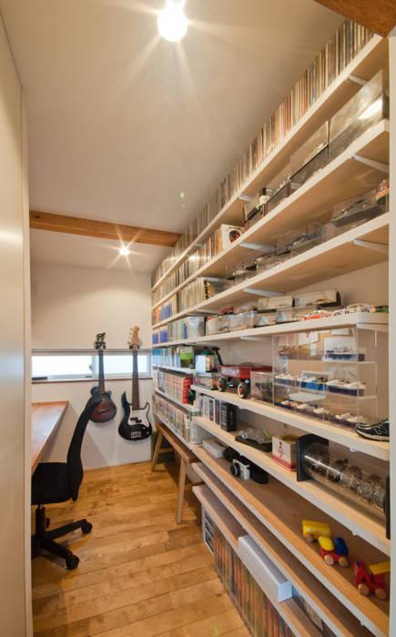 趣味室 北欧デザインの 書斎 の FrameWork設計事務所 北欧
