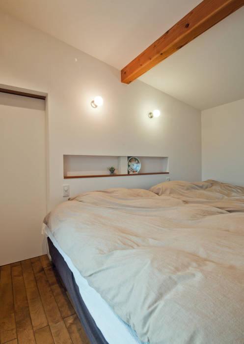 寝室です。 北欧スタイルの 寝室 の FrameWork設計事務所 北欧