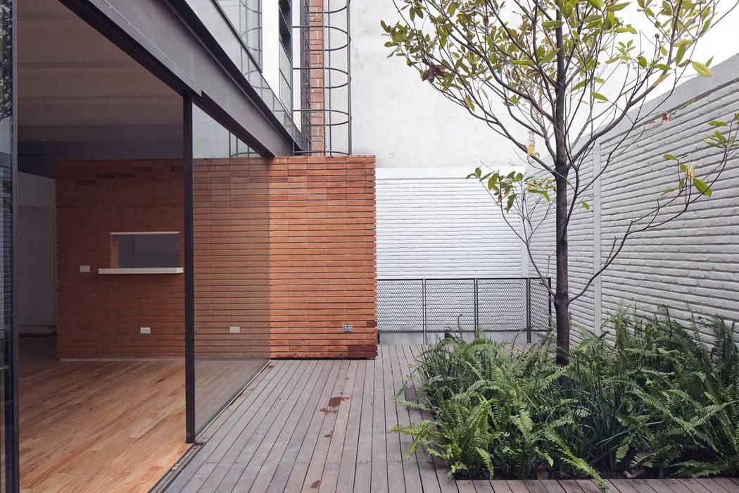 Modern terrace by Hb/arq Modern