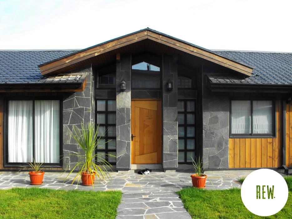 CASA WT Casas de estilo rústico de REW. Arquitectura & Diseño Rústico Piedra
