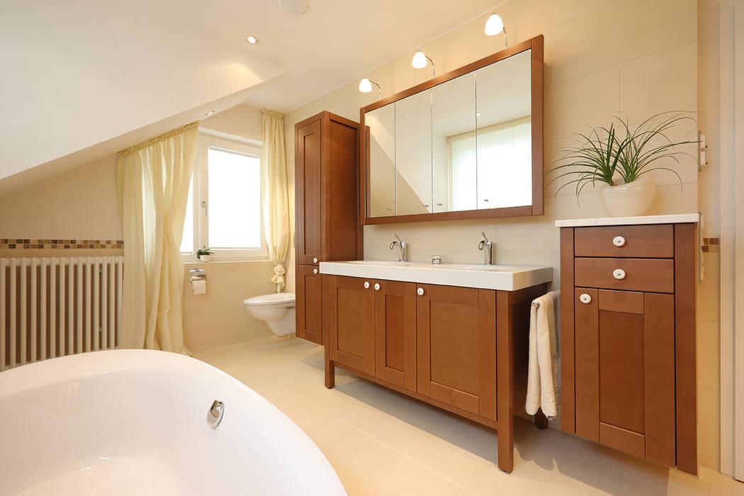 Bad im skandinavischen landhaus stil: badezimmer von bulling - die ...