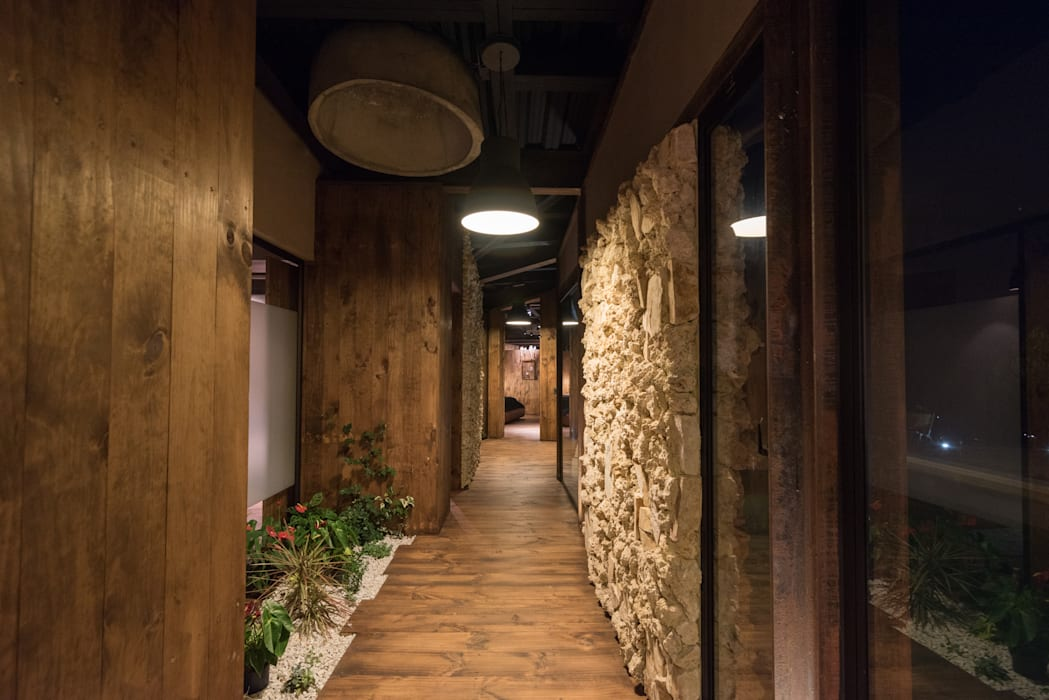 Country style corridor, hallway& stairs by OPUS Country