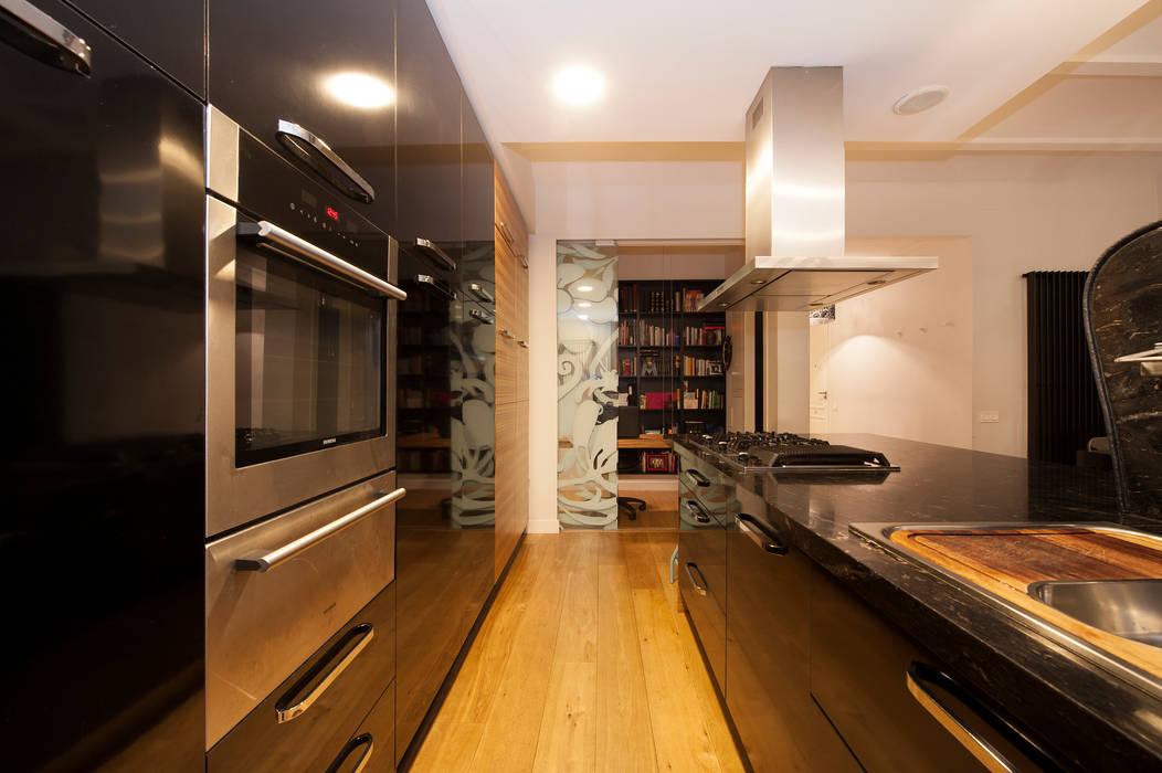 Modern kitchen by Sincro Modern