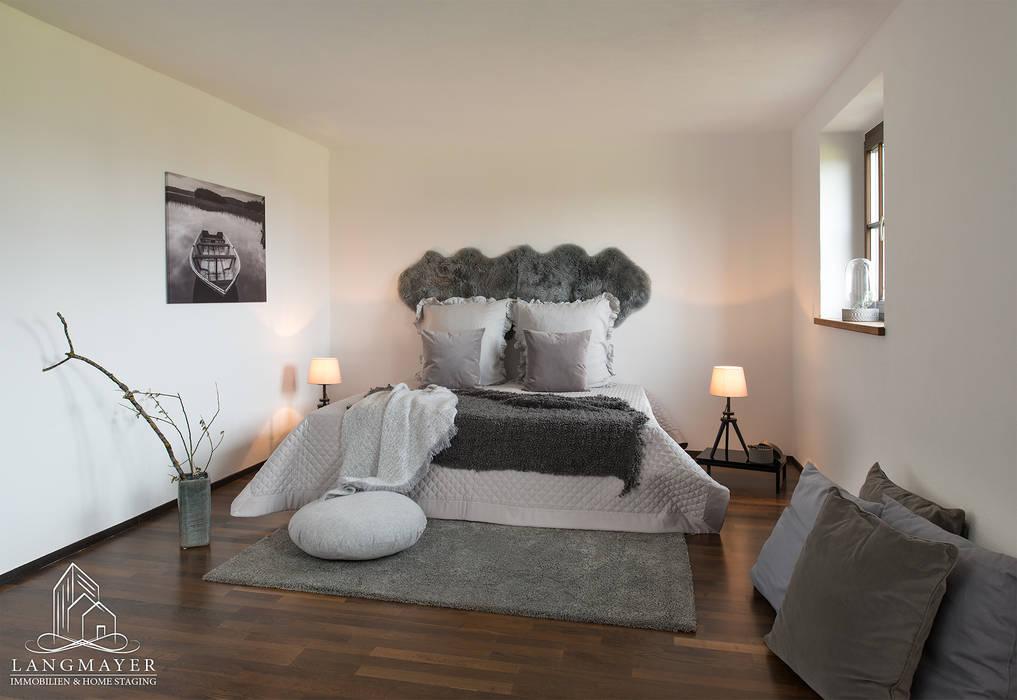 Schlafzimmer Langmayer Immobilien & Home Staging Schlafzimmer im Landhausstil