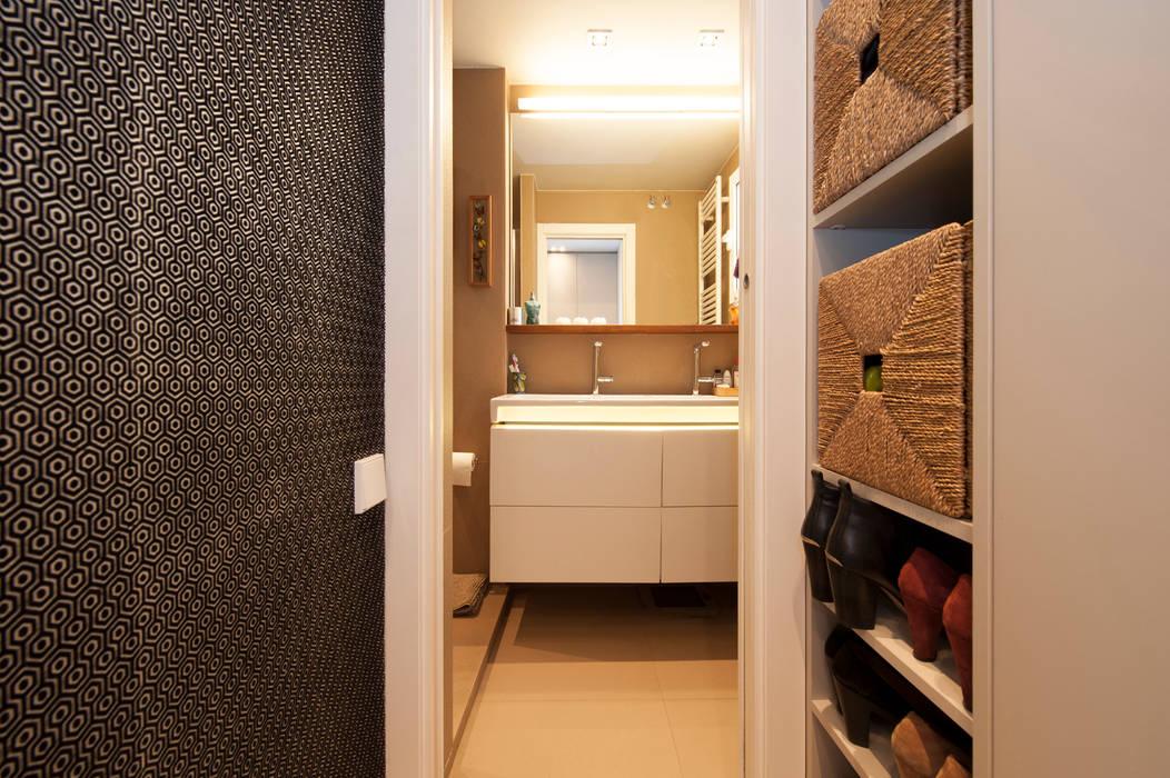 Modern Dressing Room by Sincro Modern