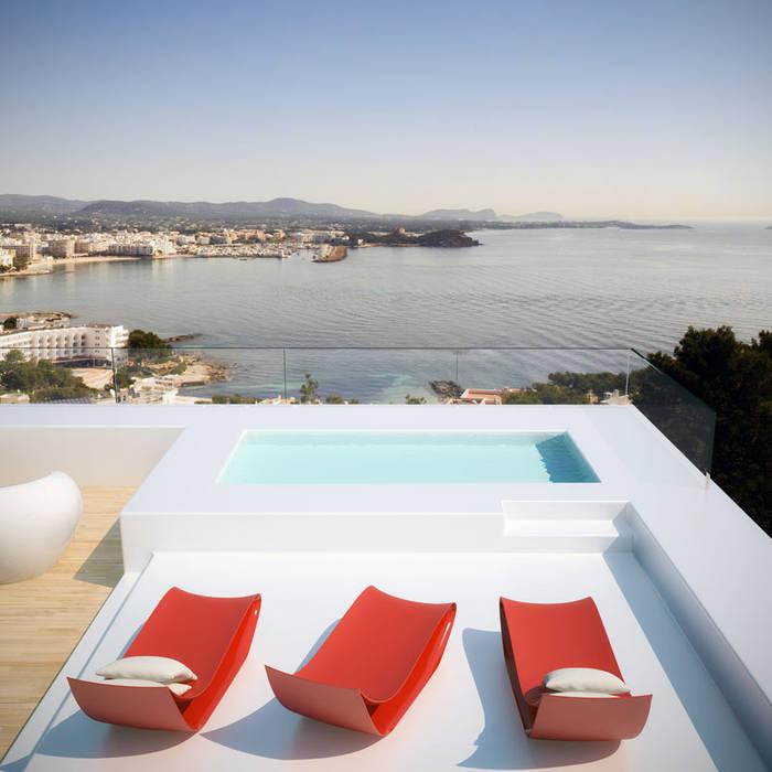 Siesta Twin House: Piscinas de estilo  de Zucchero Architects, Minimalista