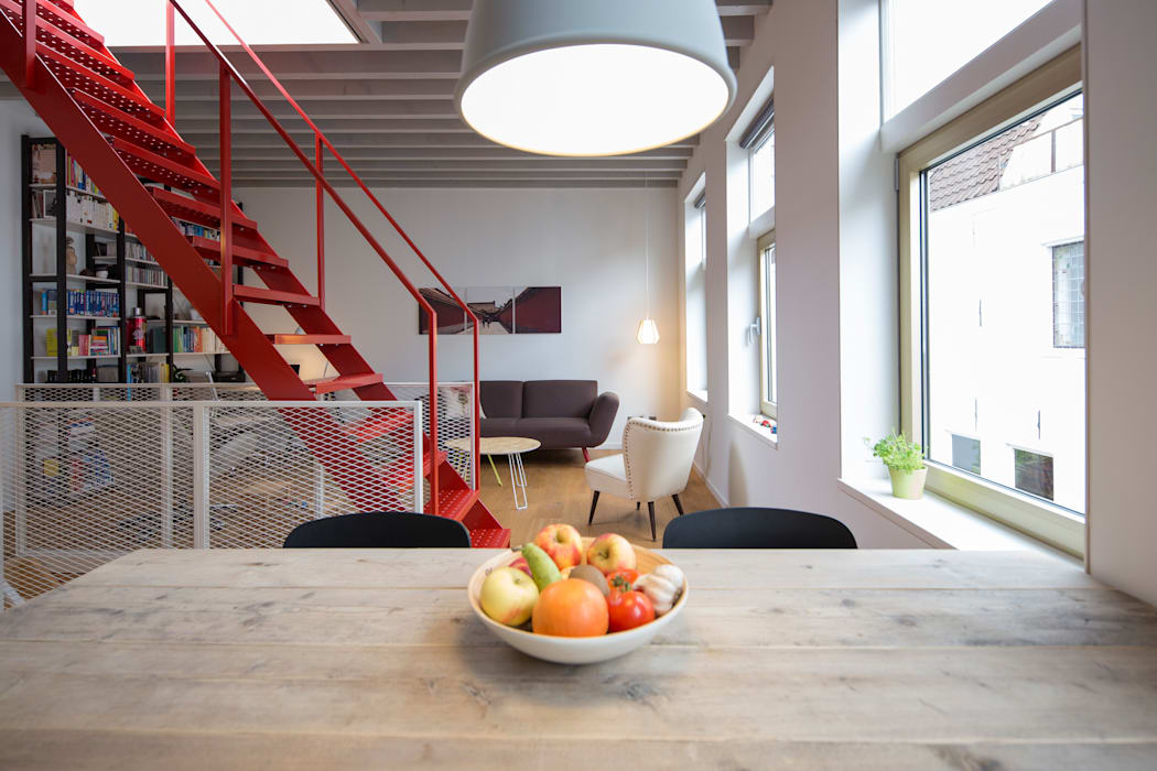 Hofjeswoningen Westeinde:  Woonkamer door studio suit