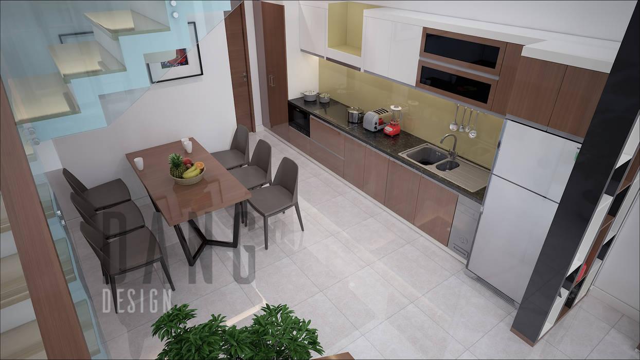 NHÀ LÔ PHỐ:  Nhà bếp by DCOR, Mộc mạc