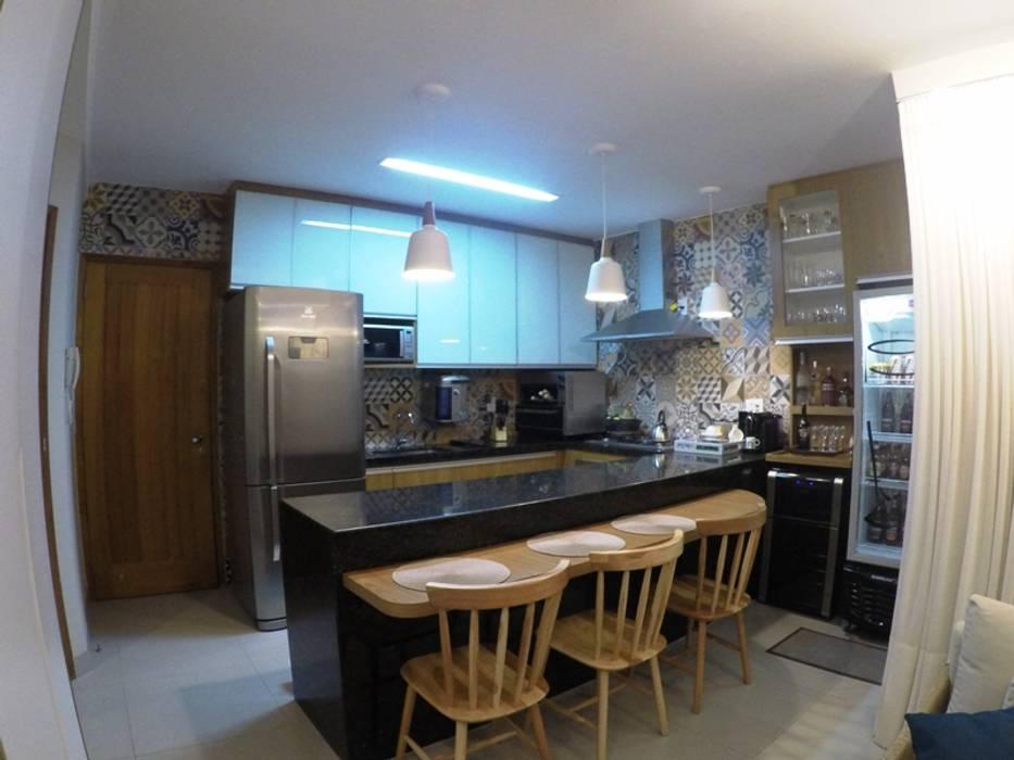 Kitchen by Novark Arquitetura e Design, Rustic