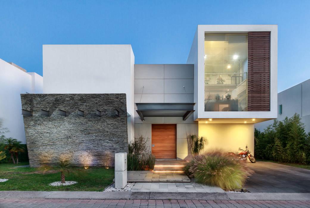 CASA REGENCY 28: Casas de estilo  por SANTIAGO PARDO ARQUITECTO