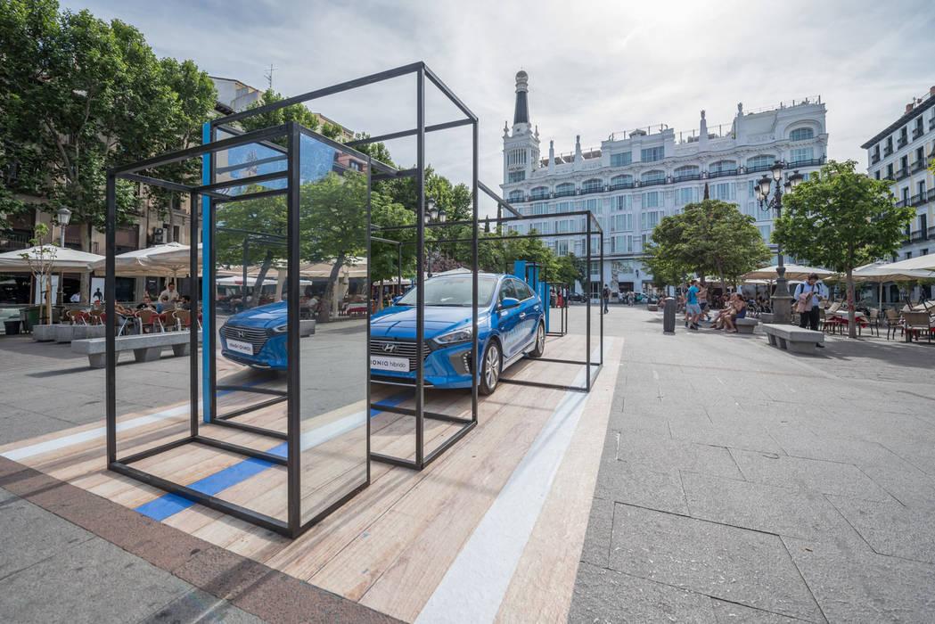 Centre d'expositions minimalistes par Simona Garufi Minimaliste Fer / Acier