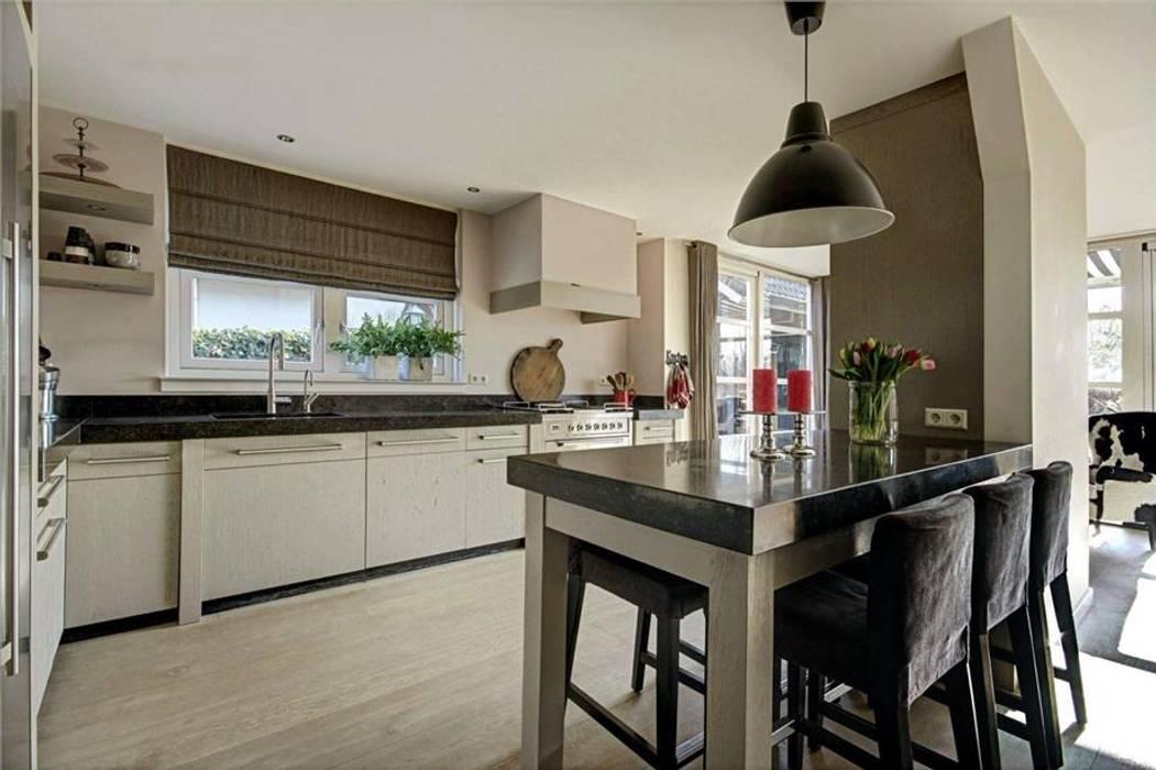 Architectenbureau Ron Spanjaard BNA Кухня в стиле лофт