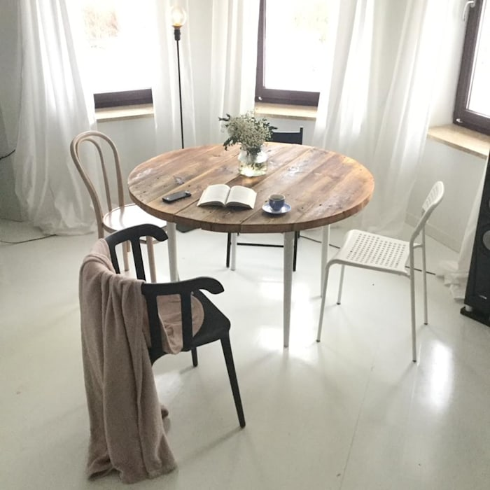 Scandinavian style dining room by Wichaister Scandinavian