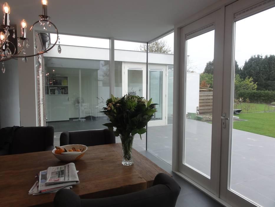 Vebrouwing woning:  Keuken door Voss architecture, Modern