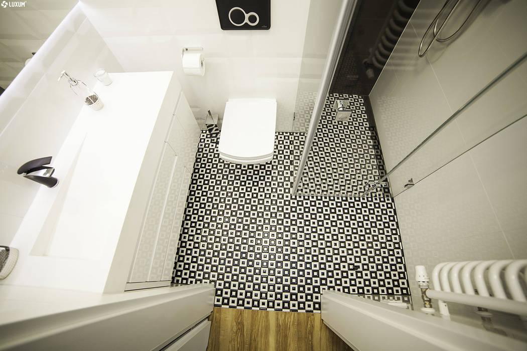 Luxum Scandinavian style bathroom White
