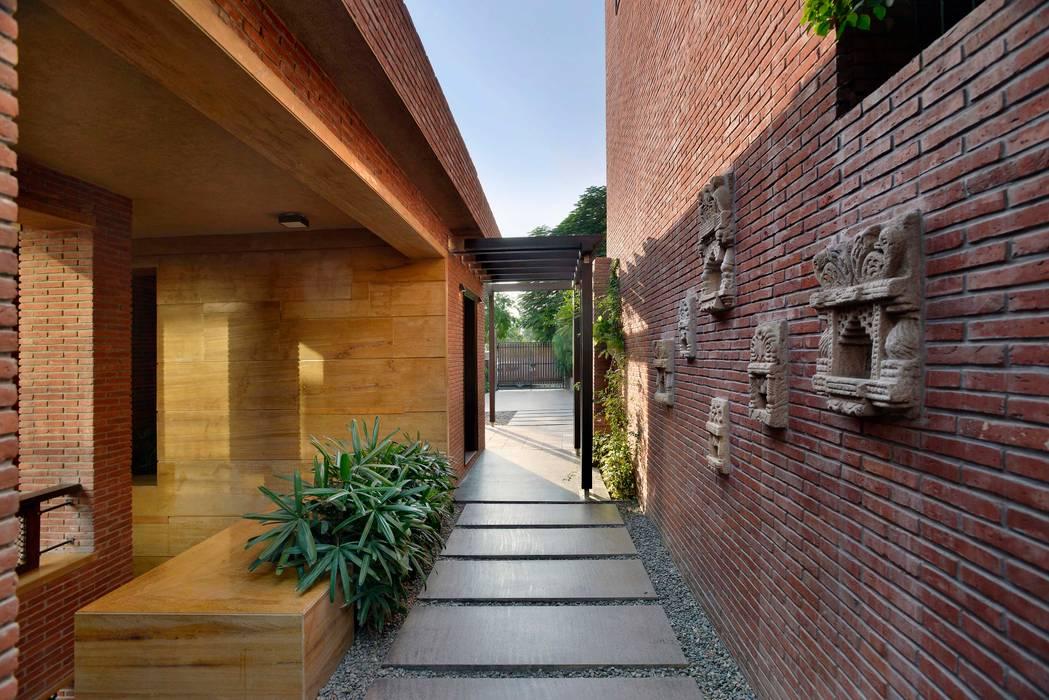 K Pavilion Modern hotels by Saka Studio Modern