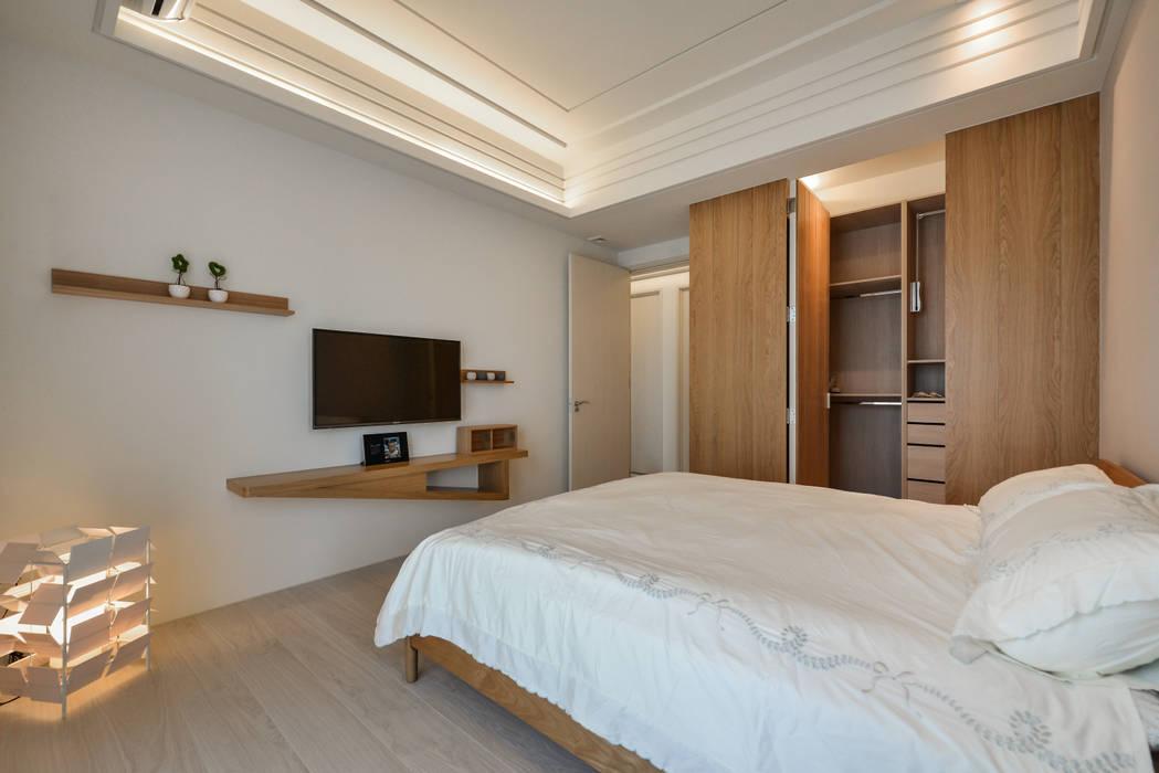ห้องนอน โดย 存果空間設計有限公司, สแกนดิเนเวียน