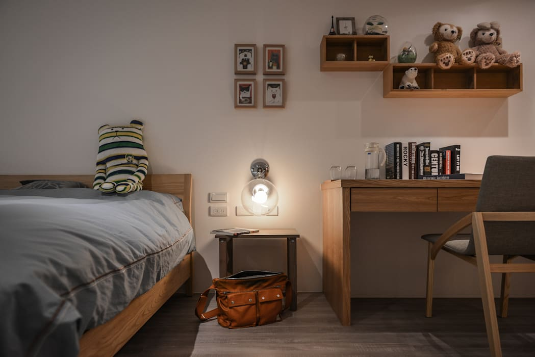 主臥房:  臥室 by 存果空間設計有限公司