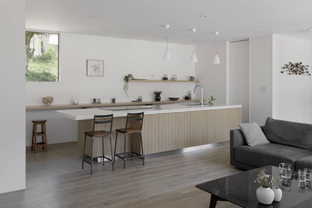 キッチン: atelier137 ARCHITECTURAL DESIGN OFFICEが手掛けたキッチンです。,