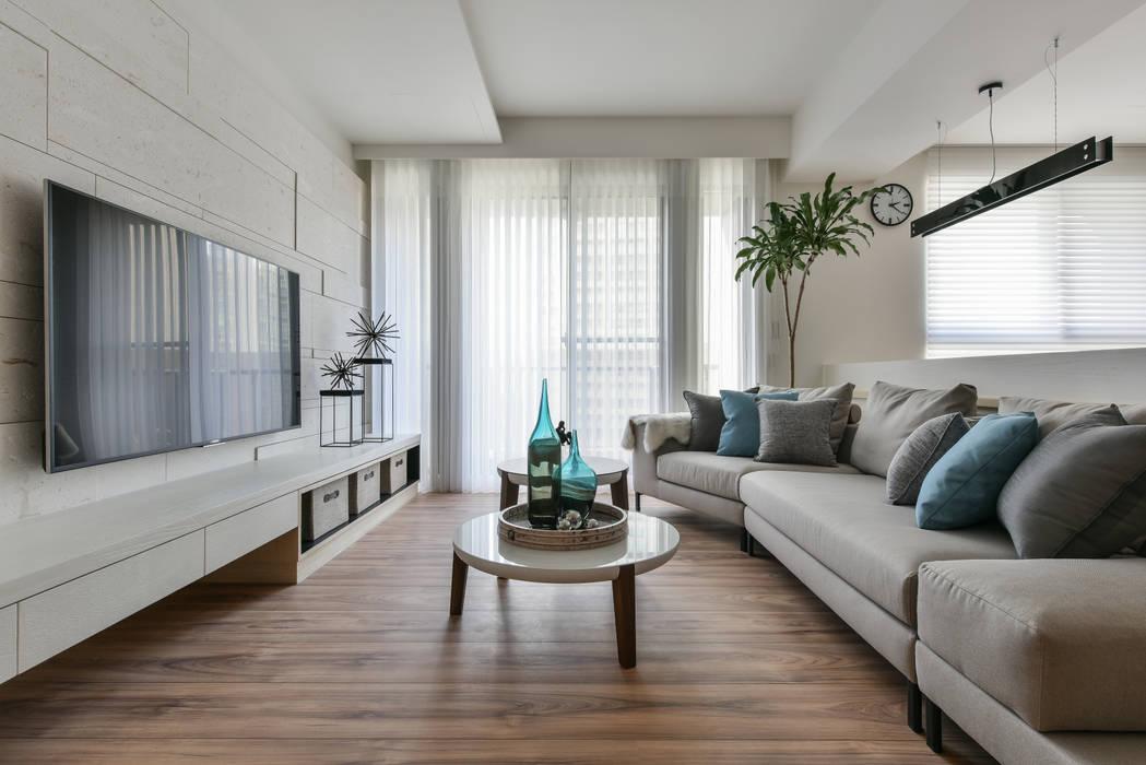 Ruang Keluarga oleh 存果空間設計有限公司, Skandinavia