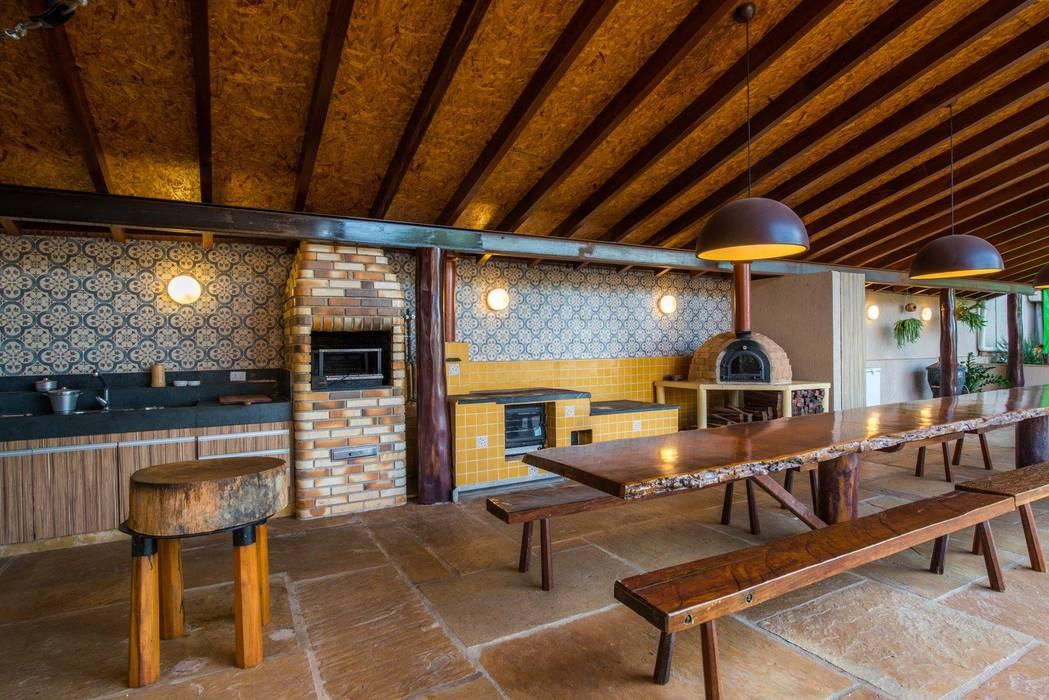 garage hangar de style par aptar arquitetura homify. Black Bedroom Furniture Sets. Home Design Ideas