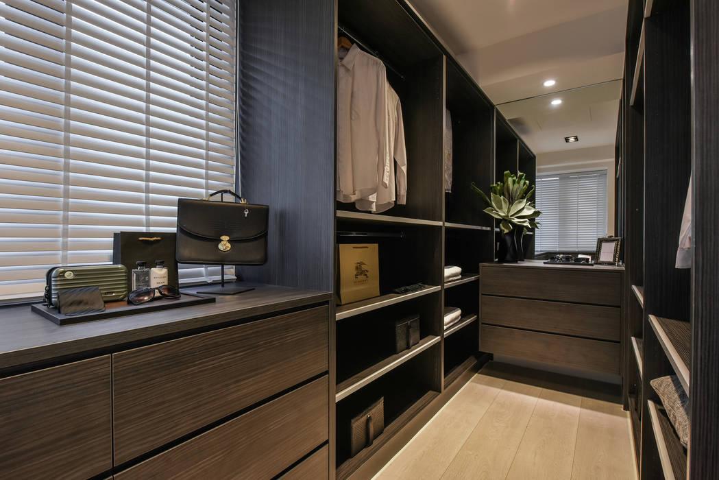 更衣室:  更衣室 by 存果空間設計有限公司