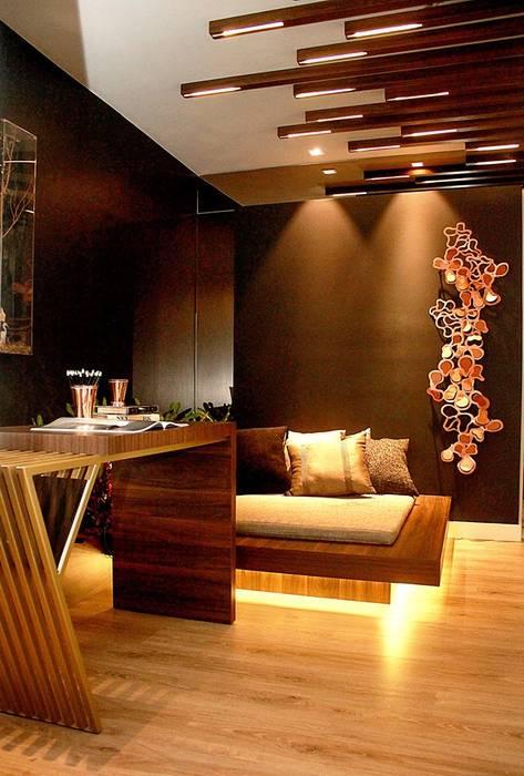 Modern corridor, hallway & stairs by Duna Arquitetura Modern Wood Wood effect