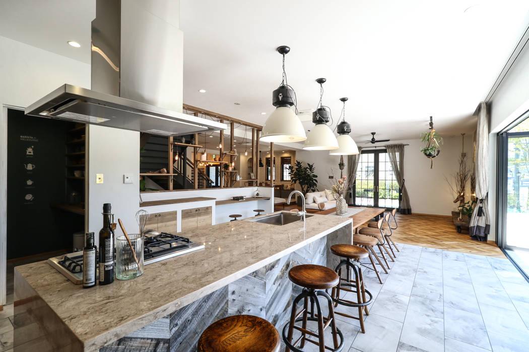 ヴィンテージナチュラルスタイルのショールーム: ジャストの家が手掛けたキッチンです。