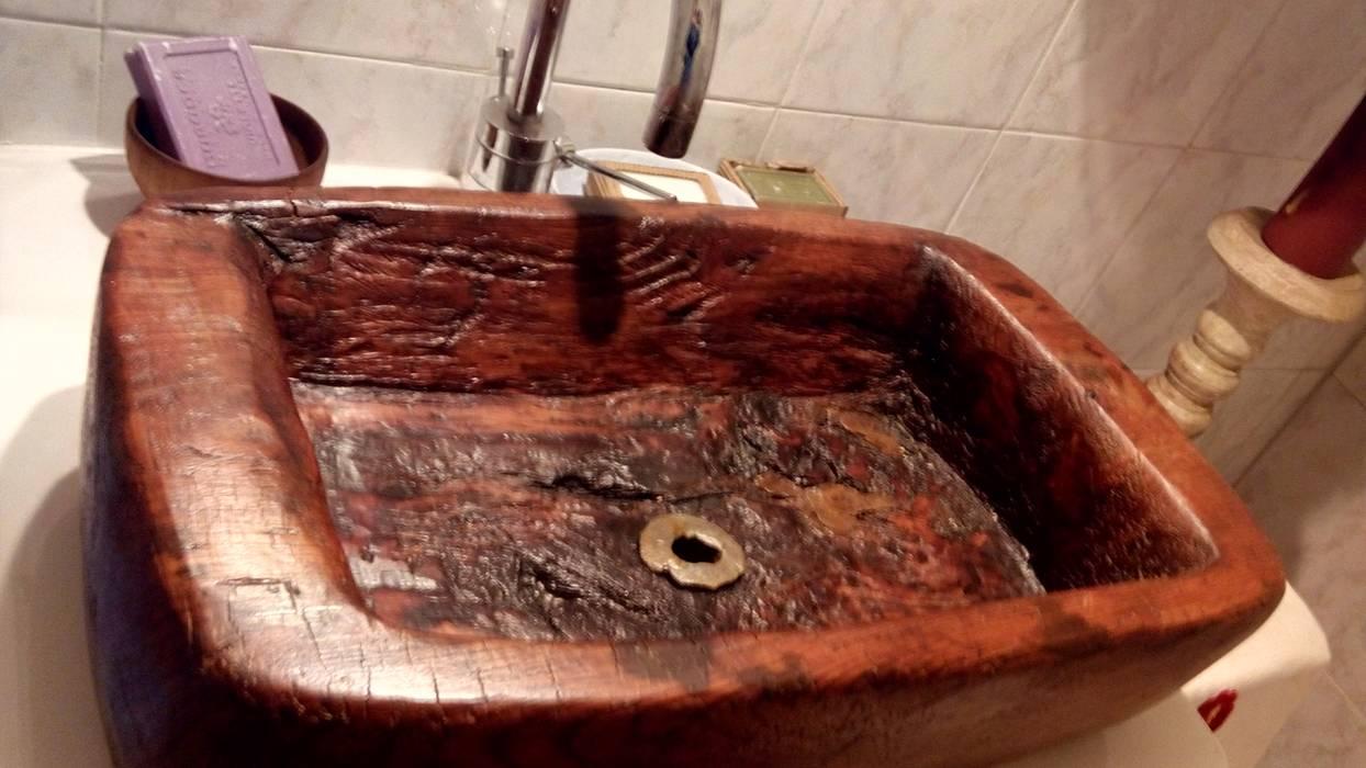 Restauro ligneo di arredi e opere d'arte , artigianato artistico BathroomSinks Solid Wood Brown