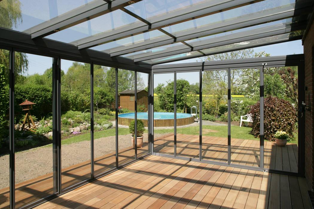 Ganzglas-Verglasungen Mester Fenster-Rollladen-Markisen Klassischer Balkon, Veranda & Terrasse