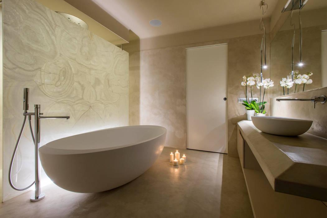 Sala da bagno con doccia spa spa in stile di archifacturing homify