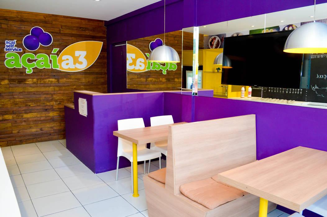 Caixa e Mesas: Espaços gastronômicos  por Vanessa Lopes arquitetura, urbanismo e interiores