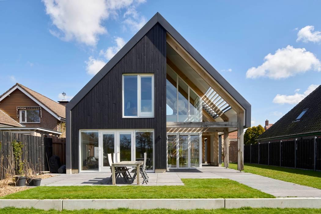 Achterzijde Villa:  Huizen door Broos de Bruijn architecten