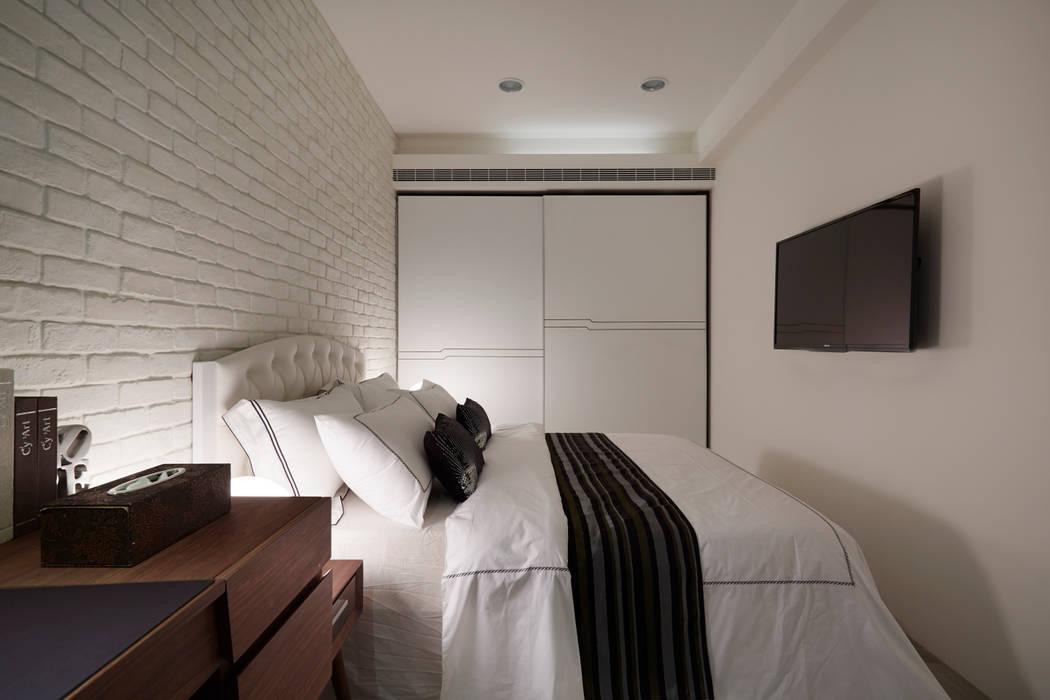 โดย 弘悅國際室內裝修有限公司 โมเดิร์น แผ่นไม้อัด Plywood