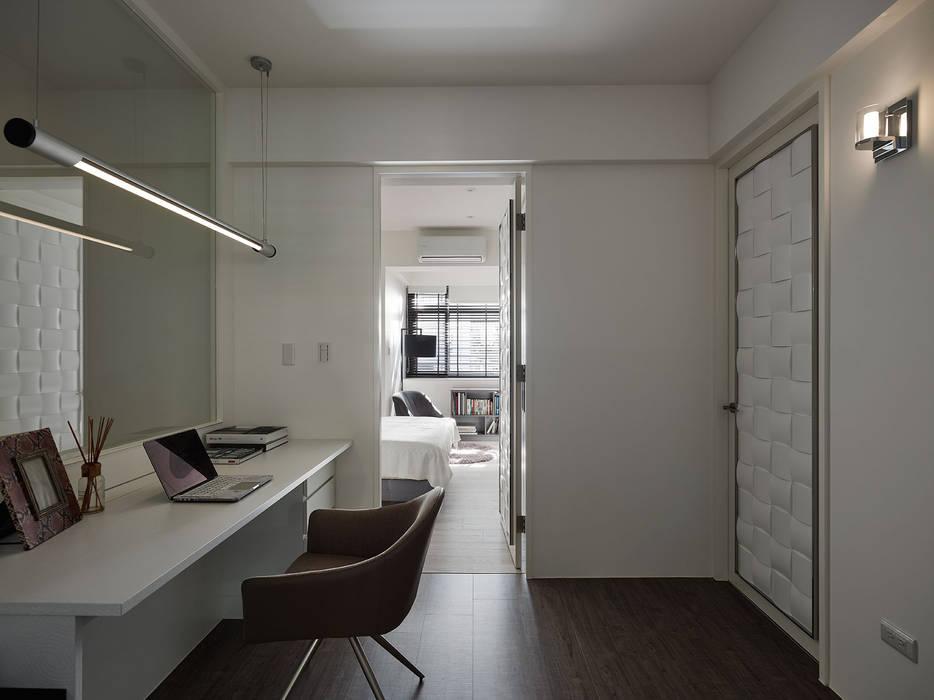 Study/office by 大集國際室內裝修設計工程有限公司, Modern